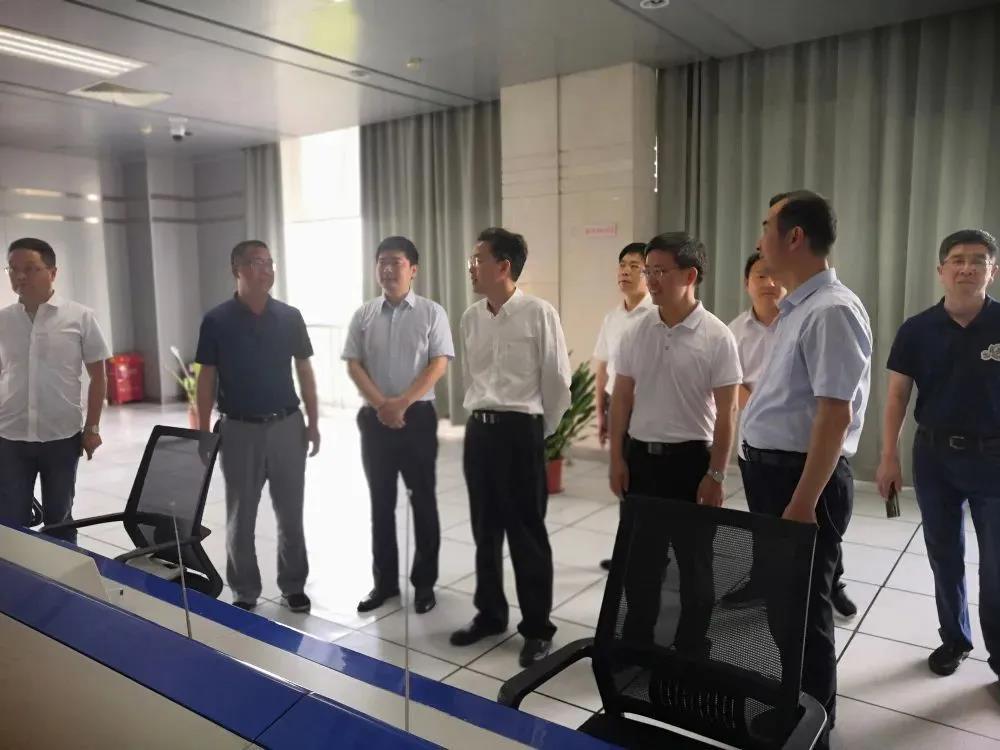 浙江省广电局党组书记、局长张伟斌调研衢州华数